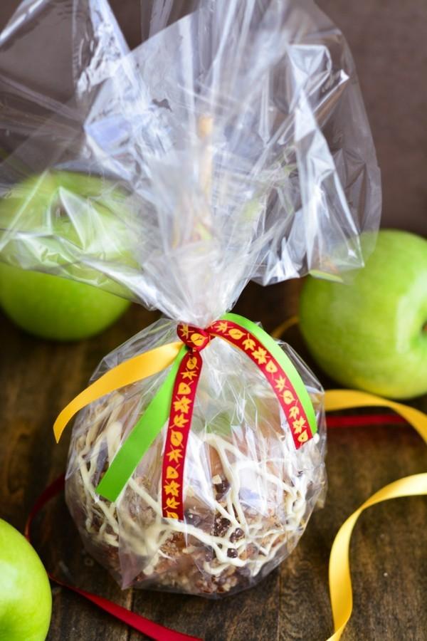 Karameläpfel selber machen und verpacken Weihnachtssüßigkeiten Rezepte