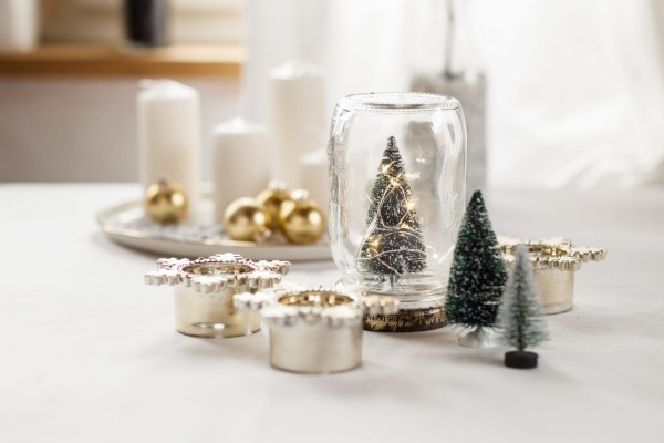 Kerzen dekorieren minimalistische Weihnachtsdeko