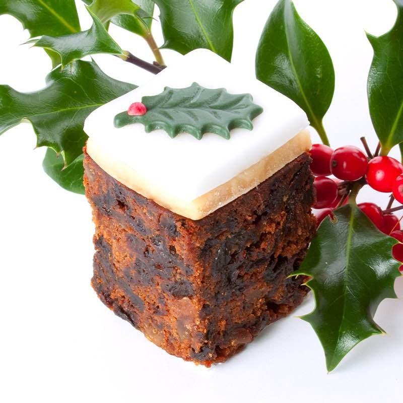 Leckeres Stück Kuchendeko weihnachten