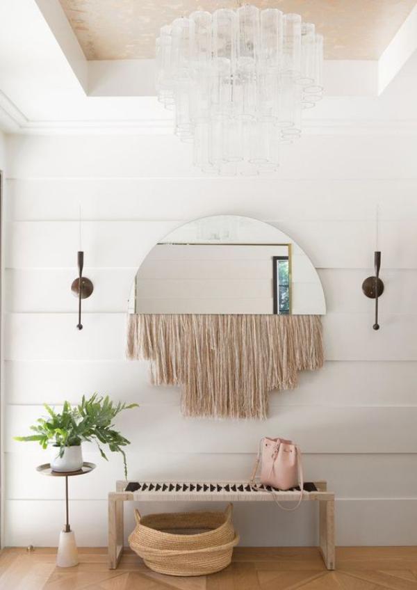 Leere Wand zum Hingucker machen Spiegel mit Fransen kombinieren