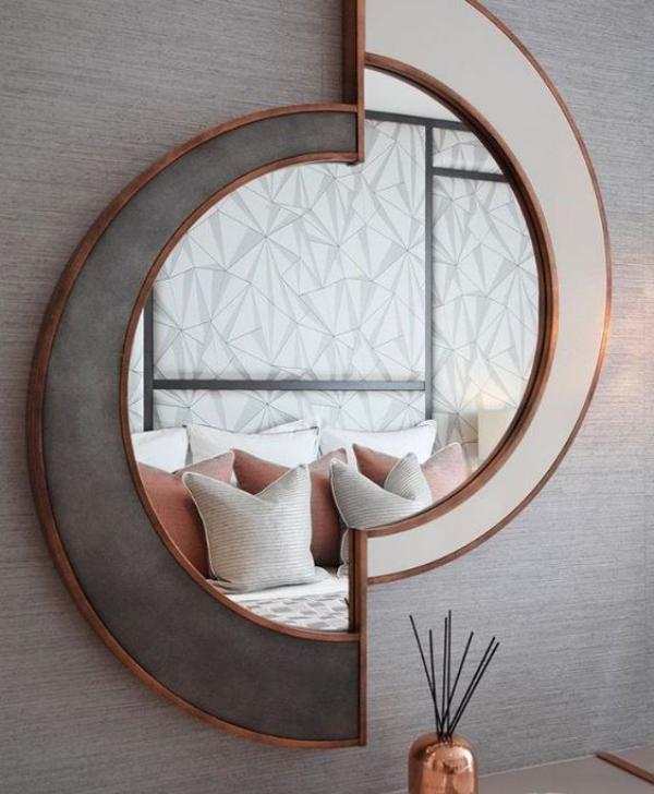 Leere Wand zum Hingucker machen eyecatching Spiegel unregelmäßige Form