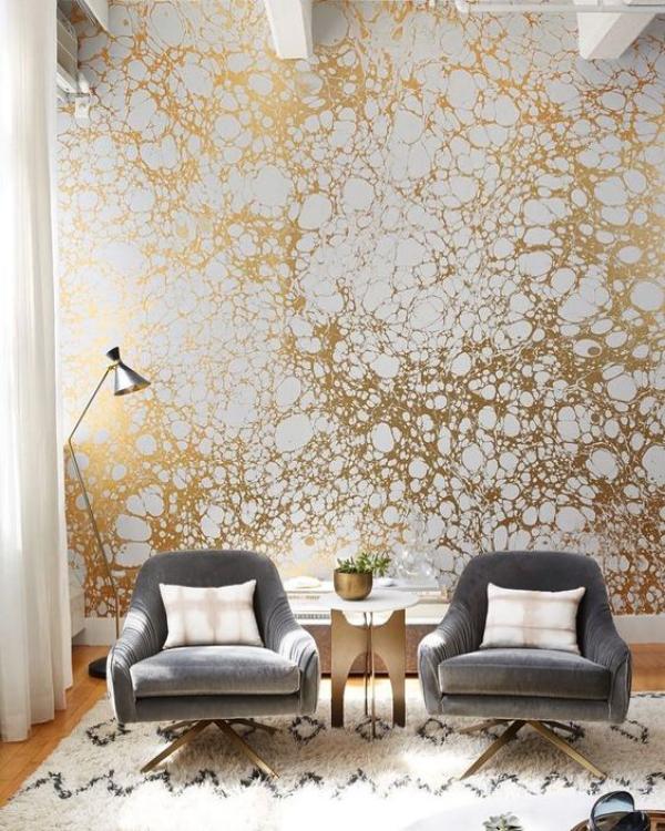 Leere Wand zum Hingucker machen tolle Wandgestaltung moderne Tapete mit Goldglitzer