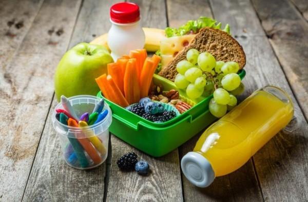 Lunchbox Kinder gesund essen Kindergarten Obstsaft