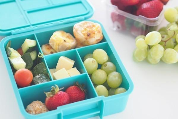 Lunchbox Kinder gesundes Mittagessen TraubenFingerfoods kreativ gestalten