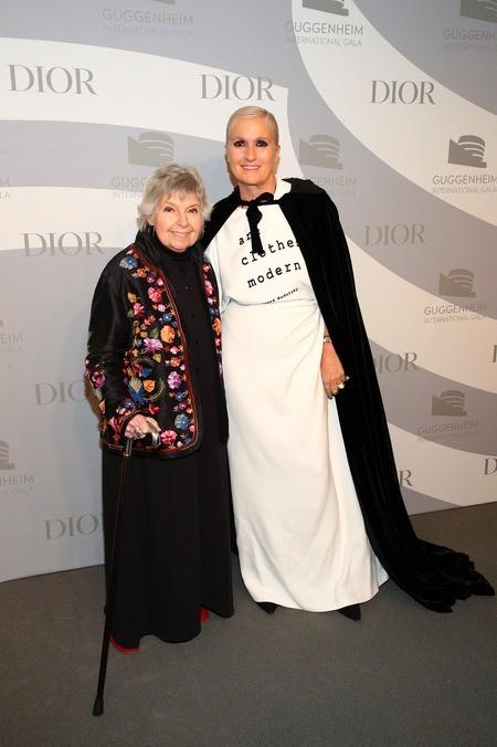 Maria Grazia Chiuri neben Robin Morgan