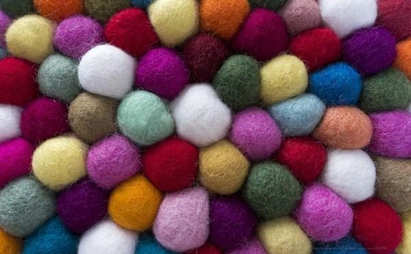 Nassfilzen Filzen Basteln mit Kindern Filzkugeln Teppich