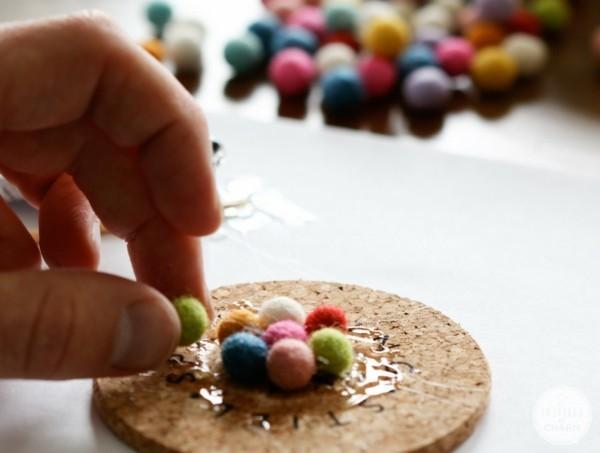 Nassfilzen Tassenuntersetzer Kork und Filzkugeln Filzen mit Kindern