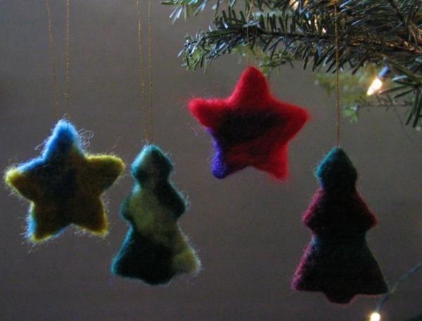Nassfilzen Weihnachtssterne basteln aus Filz Filzen mit Kindern