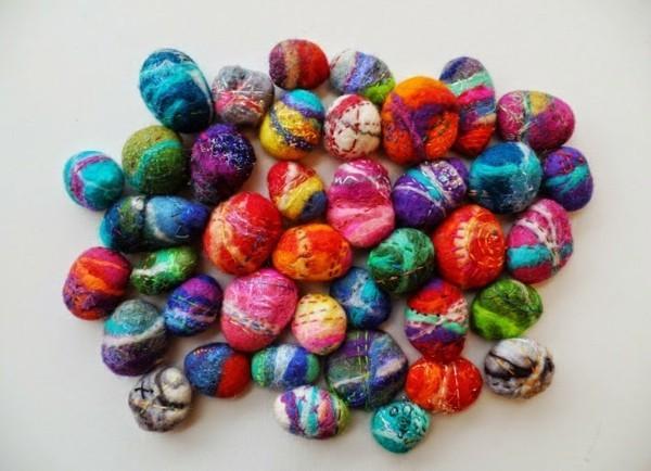 Nassfilzen bunte Filzsteine dekorative Herbstdeko Filzen mit Kindern