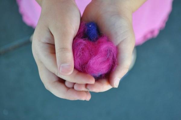 Nassfilzen mit Kindern Filzwolle formen Anleitung