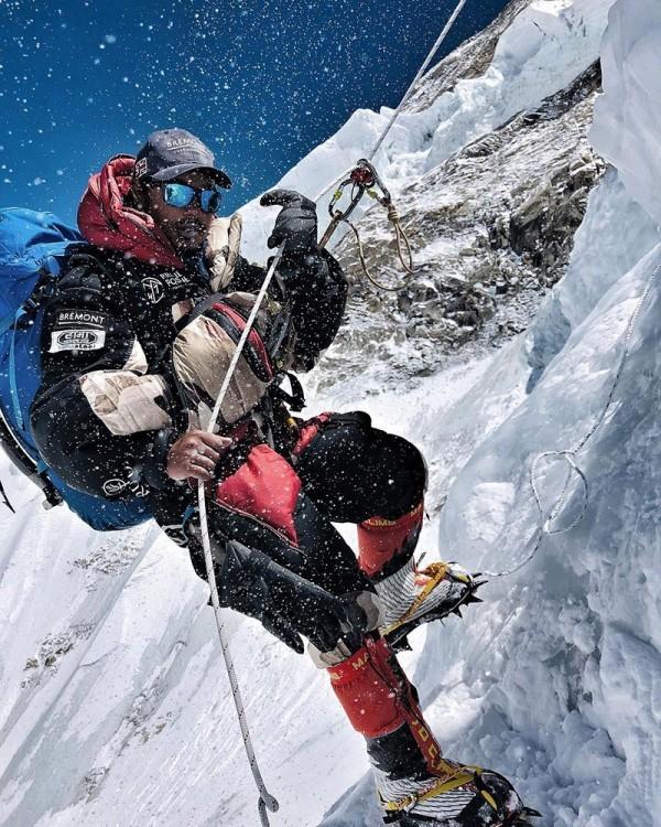 Neuer Weltrekord Nirmal Purja erklimmt alle Achttausender in nur 6 Monaten! everest und 13 weitere todeszonen