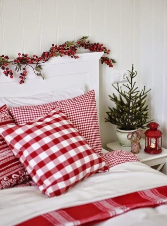 Weihnachtsdeko Ideen in Rot und Weiß Schlafzimmer im klassischen Farbduo dekorieren