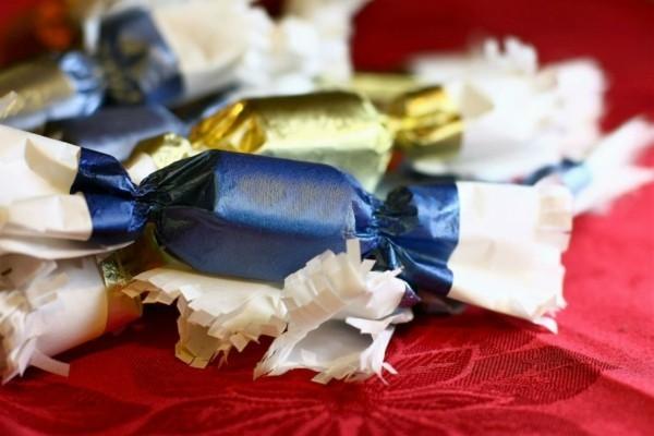 Weihnachtssüßigkeiten rund um die Welt Szaloncukor Bonbons