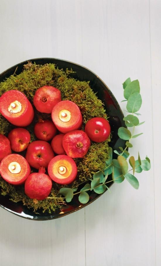adventskranz dekorieren rote kerzen granatäpfel