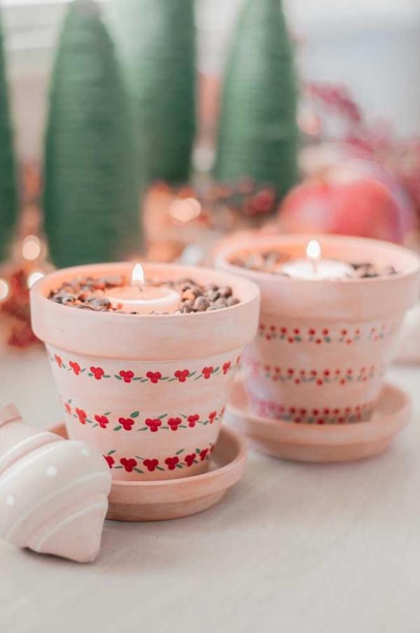 dekoration weihnachten in grün und rot kerzen weihnachten