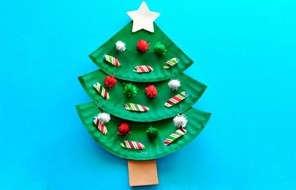 einfachen weihnachtsbaum basteln mit papptellern