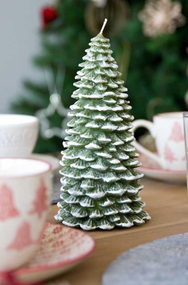 großartiger baum - deko ideen weihnachten kerzen