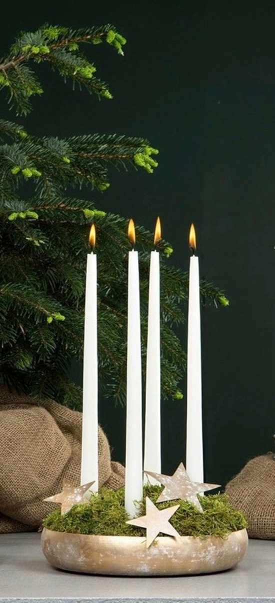 puristischen adventskranz dekorieren goldsterne schale