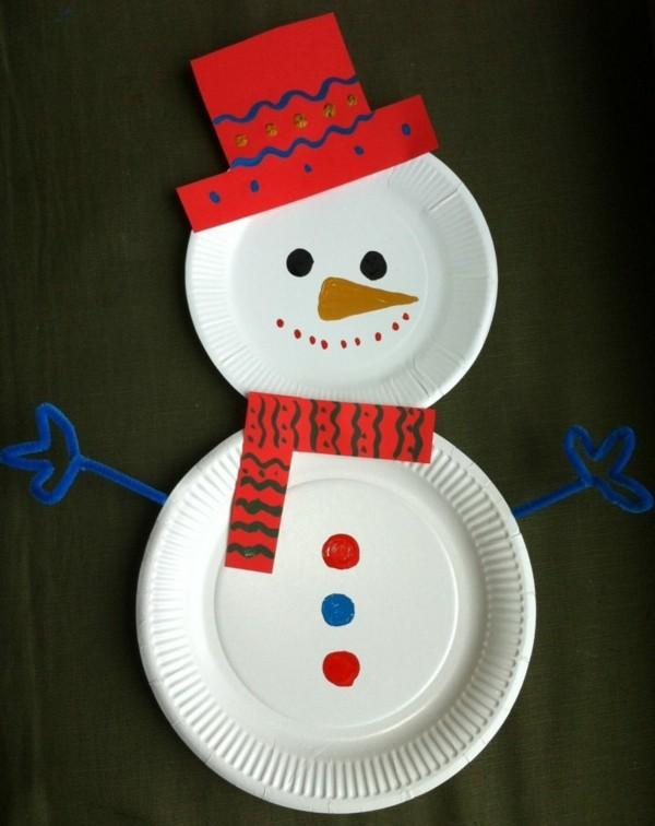 schneemann zu weihnachten basteln mit papptellern