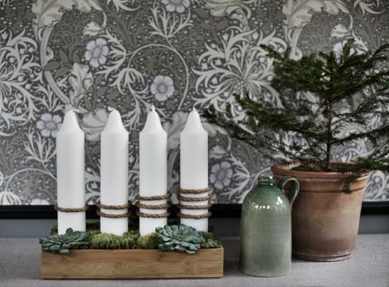 weiße kerzen adventskranz dekorieren im skandinavischen stil