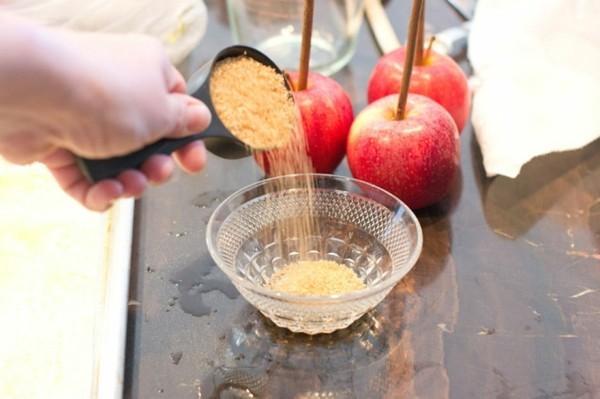 wie kann man kandierte Äpfel selber machen Weihnachtssüßigkeiten