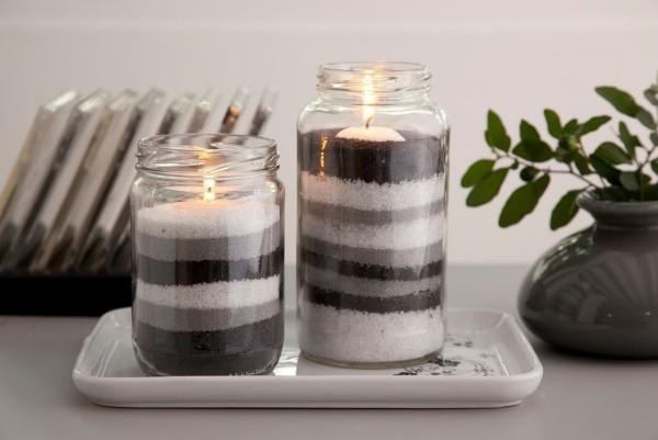 zwei verschiedene farben Kerzen dekorieren