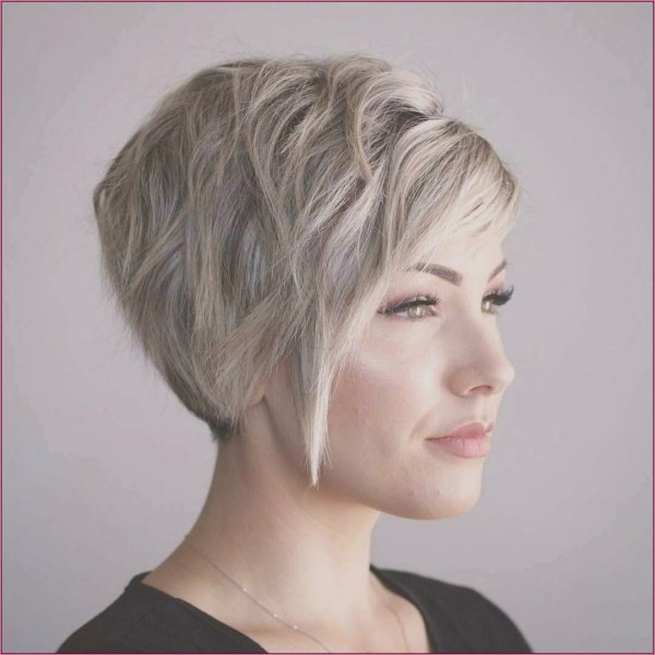 Blonde Haare tolle Ideen - Pixie Frisur