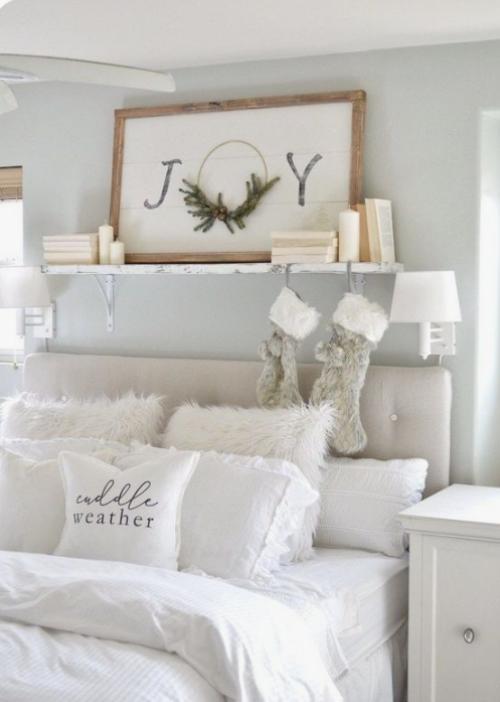 Gemütliches Schlafzimmer im Winter gestalten ganz in Weiß wenig Deko einladend