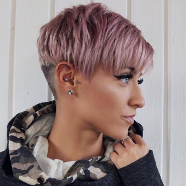Kurzer Haarschnitt - Damen Trends 2020 Pixie Frisur