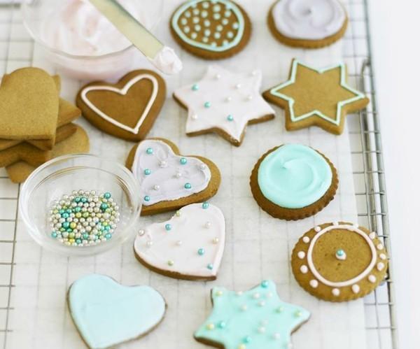 Lebkuchen Plätzchen dekorieren leckere Pfefferkuchen