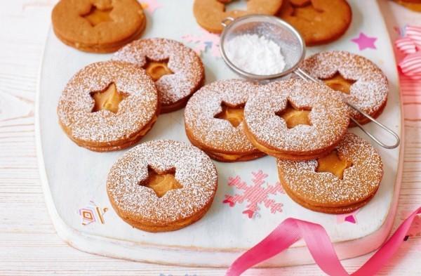 Lebkuchen backen Lebkuchenrezept mit Karamell Sterne ausstechen