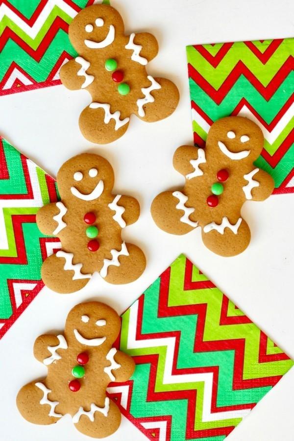 Lebkuchen zu Weihnachten Lebkuchenrezept Pfefferkuchen Männchen dekorieren