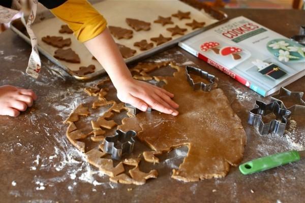 Lebkuchen zu Weihnachten ausstechen Lebkuchenrezept Pfefferkuchen