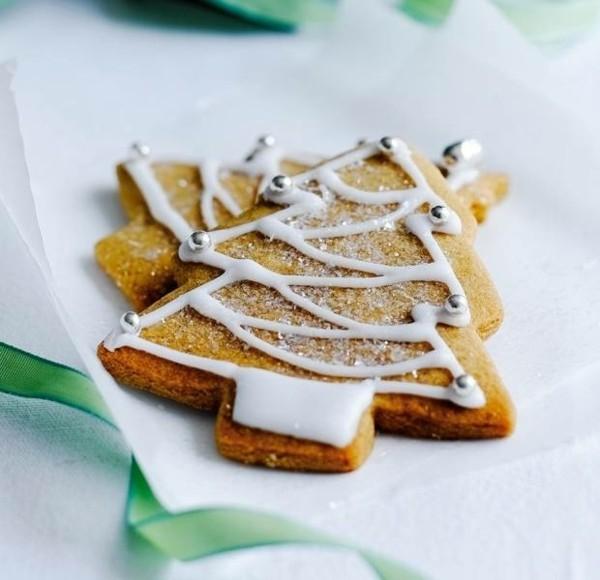 Lebkuchentannen Plätzchen Lebkuchenrezept Pfefferkuchen ausstechen