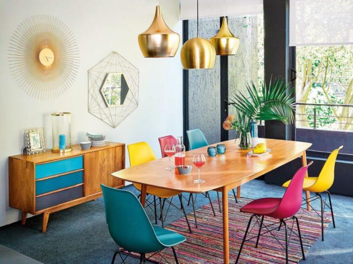 Mehr Farbe im Interieur Farben mischen modernes Esszimmer Goldakzente Hängeleuchten