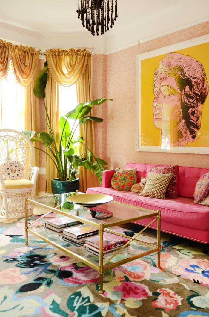 Mehr Farbe im Interieur gemütliches Wohnzimmer sonnig einladend viele Farben Gelb Grün Rosa Blau Weiß Beige