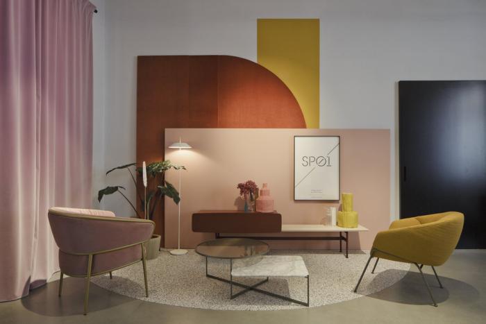 Mehr Farbe im Interieur kleines Wohnzimmer perfekte Wandgestaltung