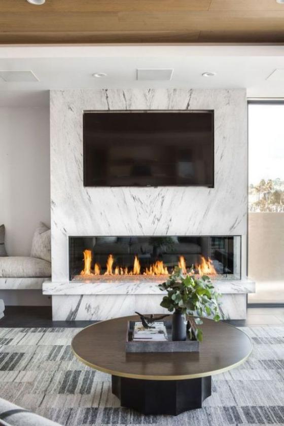 Moderne Kamine eingebauter Kamin weiße Wand Fernseher
