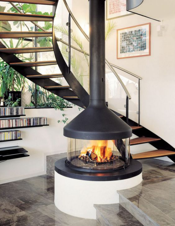Moderne Kamine im Wohnzimmer Treppe rundes Modell mit Glas verkleidet