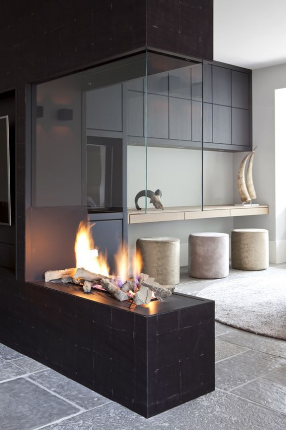 Moderne Kamine sehr schickes Modell Glas beliebtes Bauelement in der Kaminherstellung