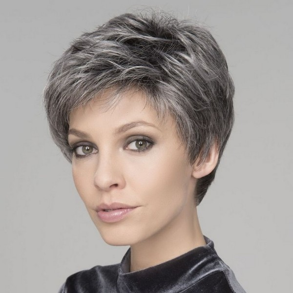 Pixie Frisur Betonung des Gesichtes - schöner Haarschnitt