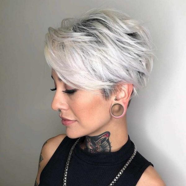 Pixie Frisur graze Haare Haarfarben Trends