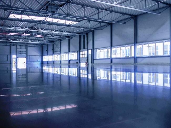 Polierter Betonboden Top 9 Vorteile für Ihr Geschäft beton polieren in große halle