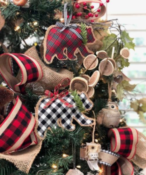 Rustikale Weihnachtsdeko aus Hanf kariertem Stoff Holzschmuck