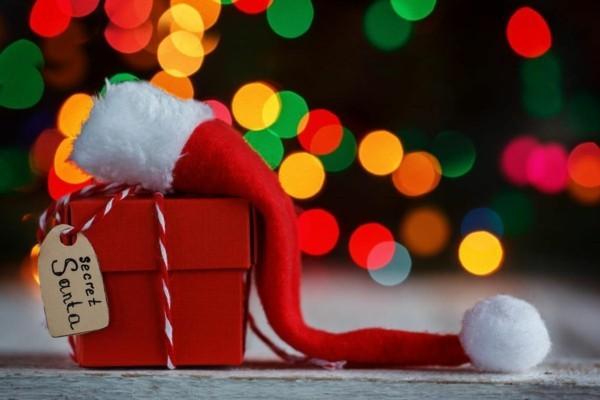 Schrottwichteln regeln Weihnachtsparty witzige Schrottgeschenke austauschen