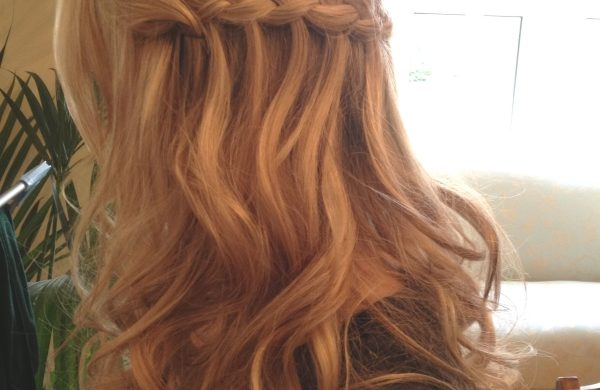 Wasserfall Frisur Trends bei den Haarfarben 2020
