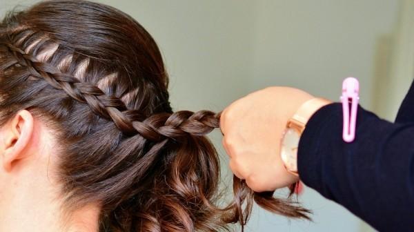 Wasserfall Frisur - dunkelbraune Haare Haarfarben Trends