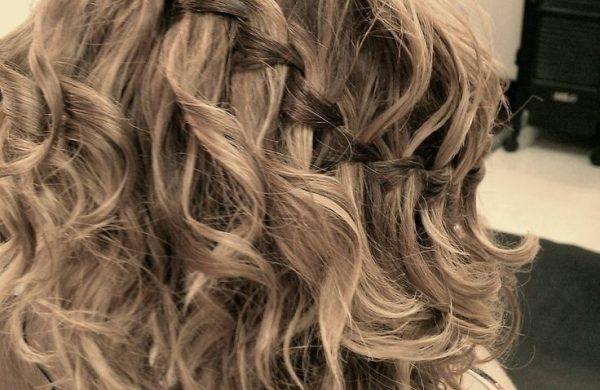 Wasserfall Frisur mittellanges Haar Frisuren für Frauen