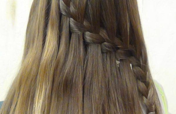 Wasserfall Frisur - schräger Zopf - Damen Frisuren