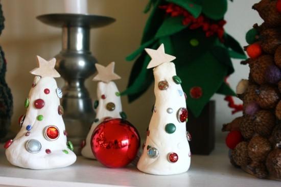 diy weihnachtsbäume basteln aus kaltporzellan